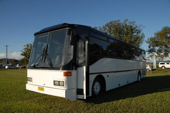 De Luxe Limo Bus